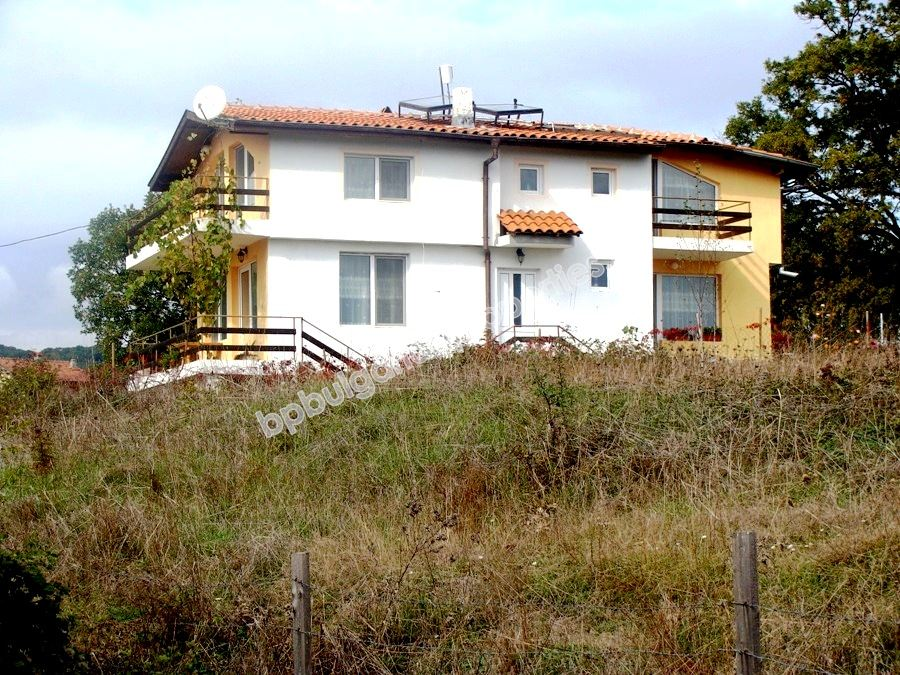 Buy a house in Diamante, in a village near the sea